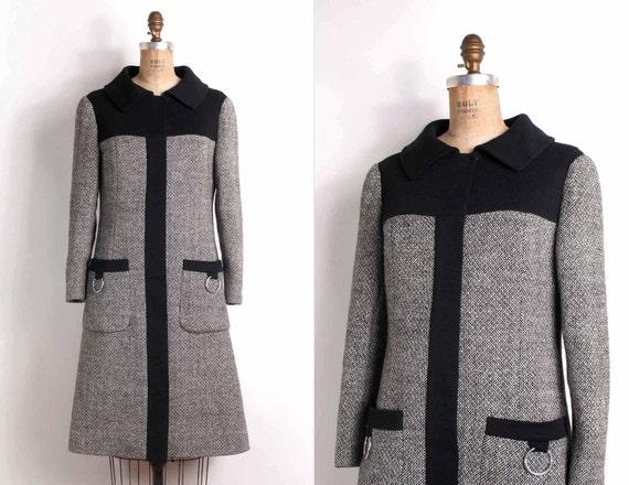 vintage 1960s coat / 60s black tweed mod coat  (extra small)