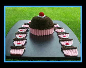 Chocolate Cream Cup Cake Hat & Scarf.Makes Sizes 1 to 5 Years Old.