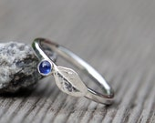Sapphire ring in sterling silver with leaf. Blueberry ring, hammered texture, size 5.75. September birthstone