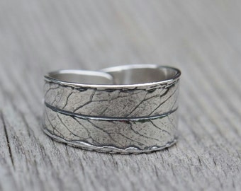 Leaf ring, silver willow leaf with patina. Made to order.