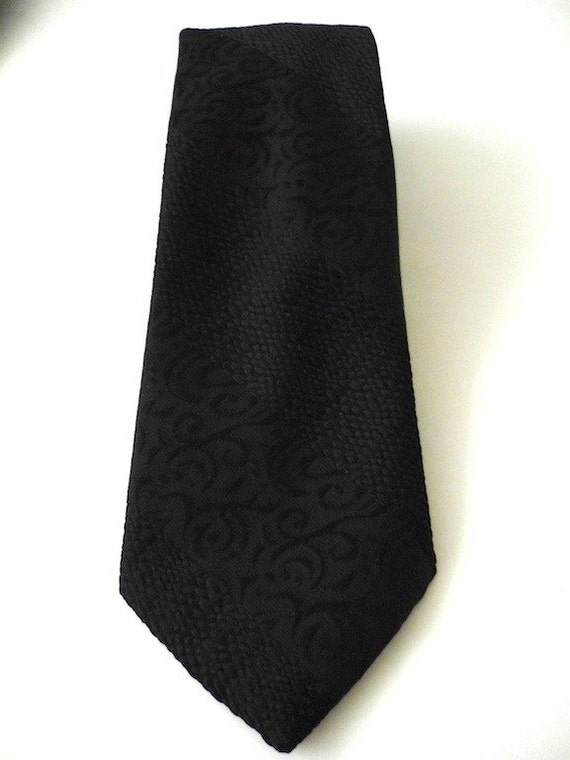 Vintage Ties Men's 70's Black Wemlon Fabric Jacquard Necktie by Wembley 909 FreshandSwanky on Etsy