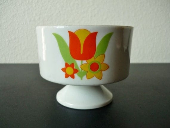 Vintage Housewares 70's Dish White, Orange, Yellow Floral Print FreshandSwanky on Etsy