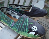 send me your shoes-Panda eatting bamboo painted on TOMS shoes-made to order