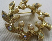 vintage pearl and rhinestone wreath pin brooch
