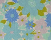 vintage fabric fat quarter (pale orchid and dark periwinkle floral)