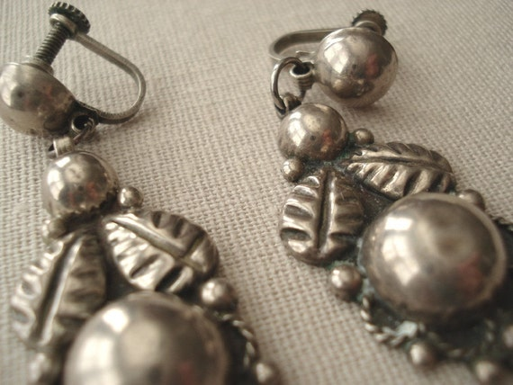 Gorgeous Vintage Mexican Sterling Silver Earrings