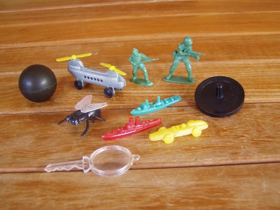 Boys Own Vintage Cracker Jack Toys Including Tiny Racing Car and Battle Ships