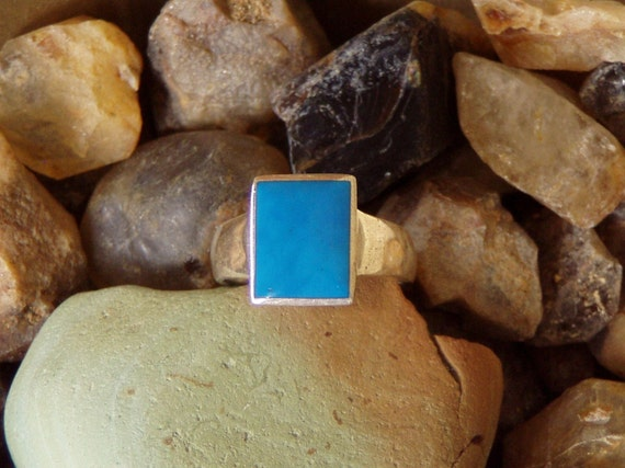 Vintage Huge Size Electric Blue Turquoise Ring