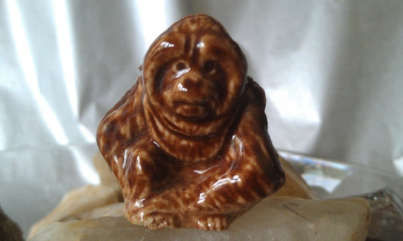 RESERVED FOR PALOMA Orangutan Wade Whimsies miniature porcelain animal endangered