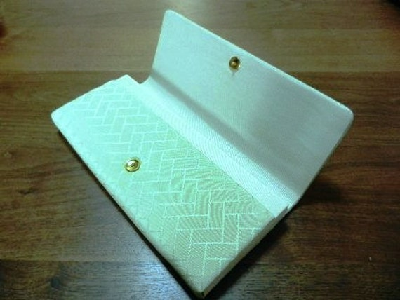 Clutch Handbag From Japan In Light Green With Abstract Pattern, Kimono Bag, Kimono Outfit, Wafuku, Understated, Cool