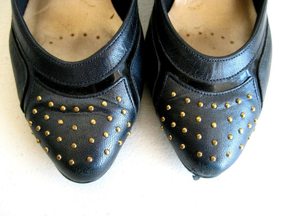 Black Leather Pumps with Gold Beads, 4