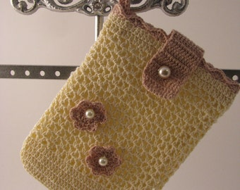 Best Buddy Pouch  in Cream and Dark Tan fully lined