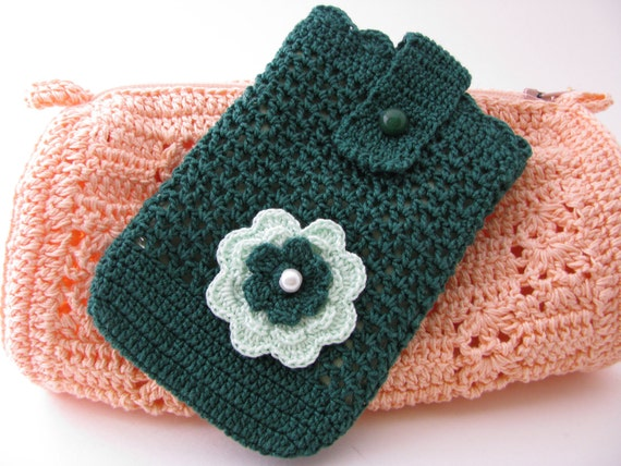 Best  Buddy Pouch in Forrest Green/ fully lined
