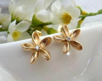 SIMPLE Golden Flower with Cubic Zirconia Earrings