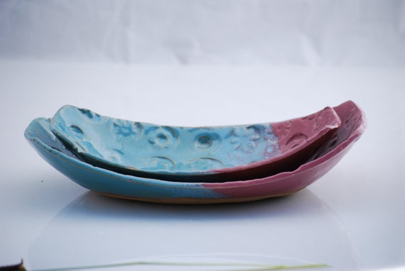 Oval bowls set of two in topaz blue and pink