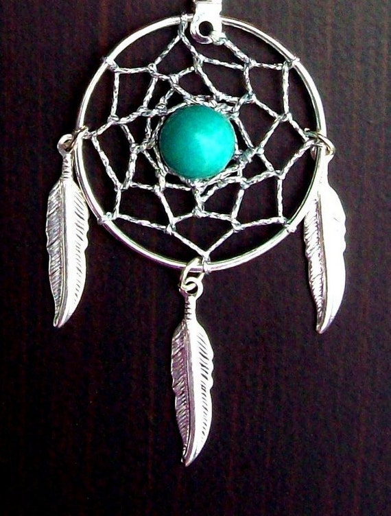 Dream catcher necklace in silver with Turquoise and three feathers
