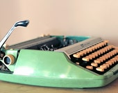 1960s Smith Corona Corsair Deluxe Typewriter
