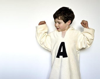 Personalized robe with monogram. Hooded bathrobe in organic cotton. Ecofriendly bathcape in ivory color. Children gift with monogram.