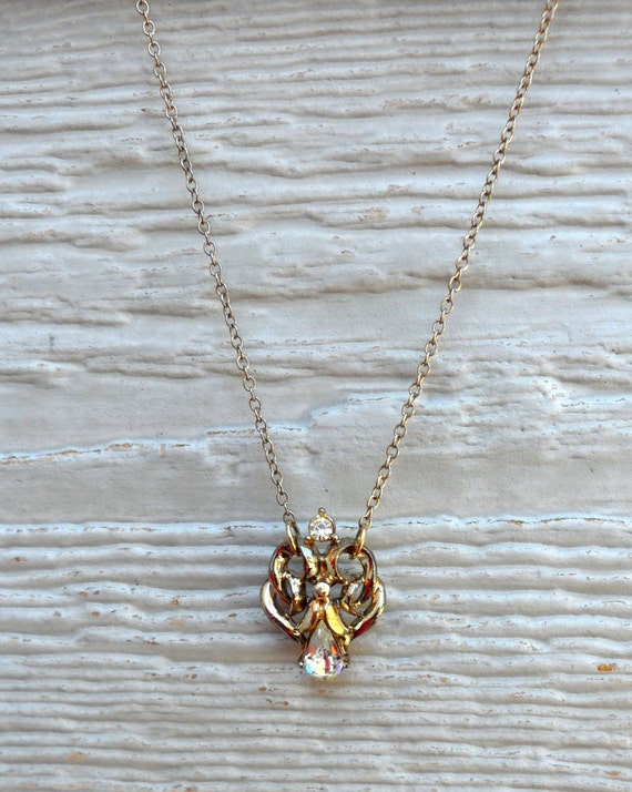 Gold Rhinestone Pendant Necklace