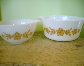 2 Vintage  Pyrex Compatibles Butterfly Gold Small Mixing Bowl and Casserole Dish Retro Mod Mid Century Modern