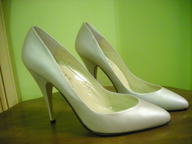 Womens vintage pepe jimenez pearl gray silver leather pumps - Pepe jimenez ...