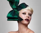 Couture Bow  Fascinator, Emerald Green Headpiece, fascinator, Cocktail hat