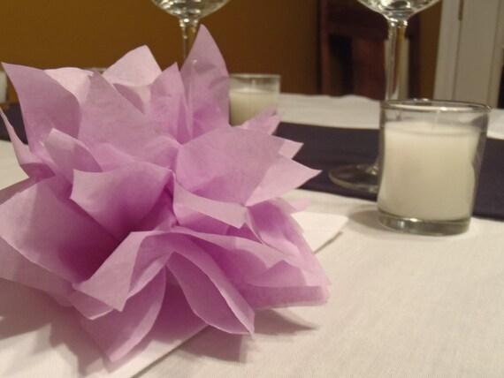 25 Lilac Paper Dahlia Napkin Rings. Perfect for weddings, baby showers, dinner parties, birthdays, decor. Tissue paper pom pom