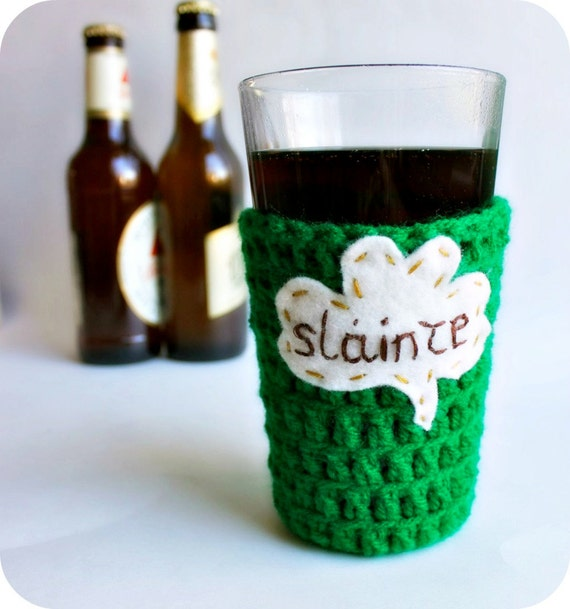 Pub Pint Glass Beer Cozy kelly green Slainte shamrock crochet handmade