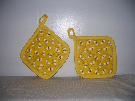 2 Bumble Bee Pot Holders