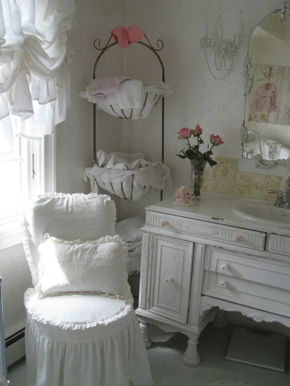 Shabby chic vintage white dream linen fabric by rachell for Linge shabby chic