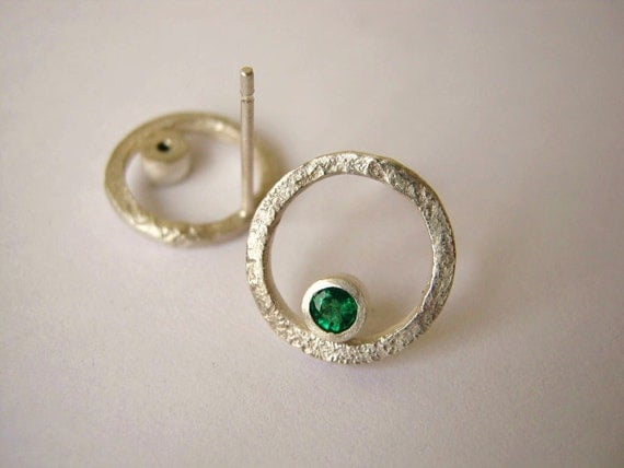 Round Organic studs with Emerald - Sterling Silver - Ready to ship