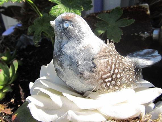 Resin Bird with Flower Nest Decor Photo Prop