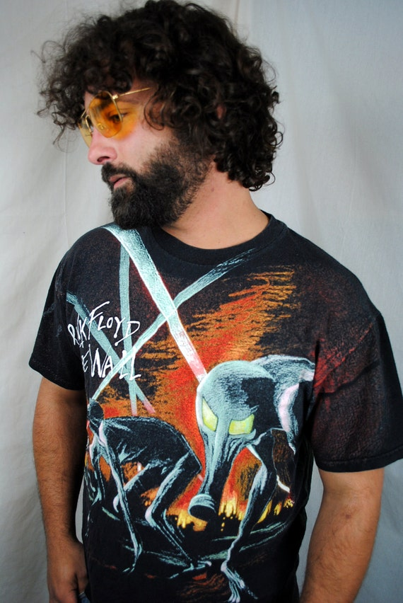 Vintage 1992 The Wall Pink Floyd Shirt - All Over Print