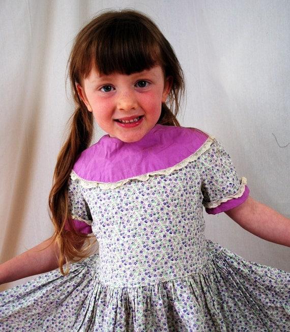 Sweet 1950s 60s Girls Floral Dress
