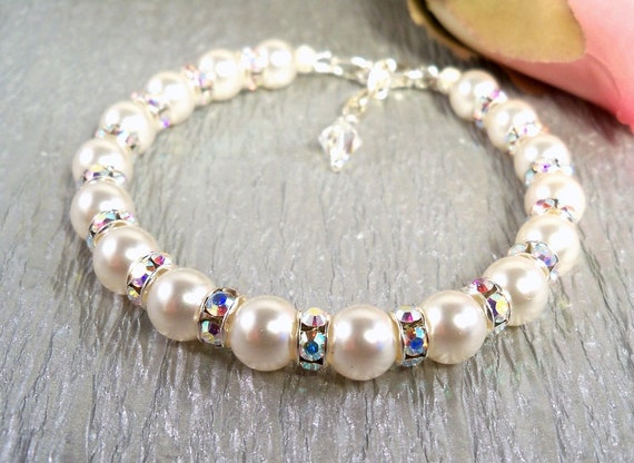 Bridal Bracelet,  Pearls and Rhinestones, Bridesmaid,  Glitz, Wedding Bracelet, Bridal Accessories, Mother of the Bride, Mother of the Groom