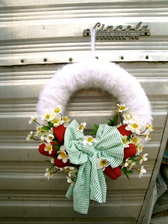 Summer Wreath, Berries N' Cream Wreath
