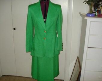 Vintage linen suit by Evan Piccone Size 10