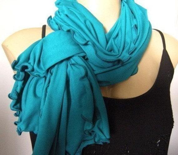Neck Rag....Turquoise w.Turquoise -Green Finishing....Globetrotter..