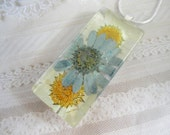 Summer Days-White Clouds and Blue Skies-Crazy Daisies Pressed Flower Glass Pendant-Summer White and Blue