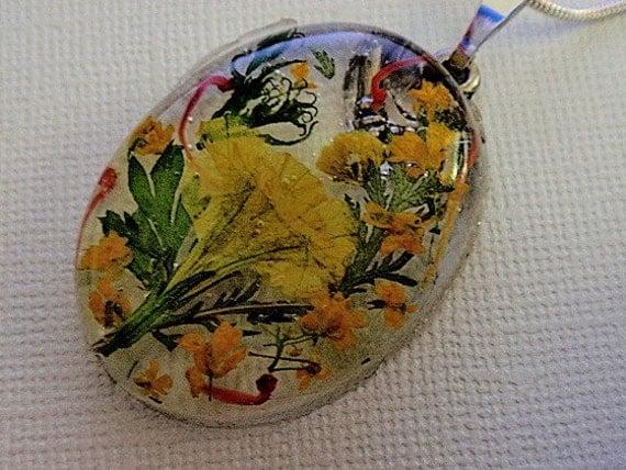 Golden Yellow Garden-4 O'Clocks, Alyssum, Real Pressed Flower Resin Pendant-Symbolizes Happiness, True Love, New Beginnings