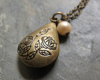 Small Teardrop Locket Necklace, Antique Gold Brass, Floral, Cream Pearl, Vintage Style, 18 Inch Chain - FAITH
