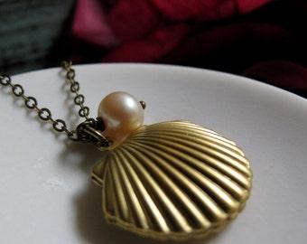 Sea Shell Locket, Gold Clam Shell, Pearl Charm, Ocean Inspired Beach Necklace Locket - SEASIDE