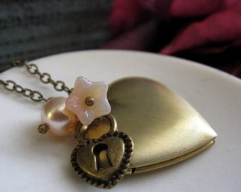 Gold Heart Locket, Long Necklace Locket Heart, Peach Pearl and Flower Necklace, Vintage Inspired Locket - COMMITMENT