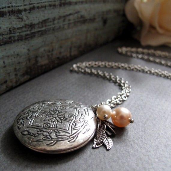 Round Silver Locket, Antique Silver Necklace, Vintage Long Locket Necklace, Celtic Pearl Necklace - STARLIGHT