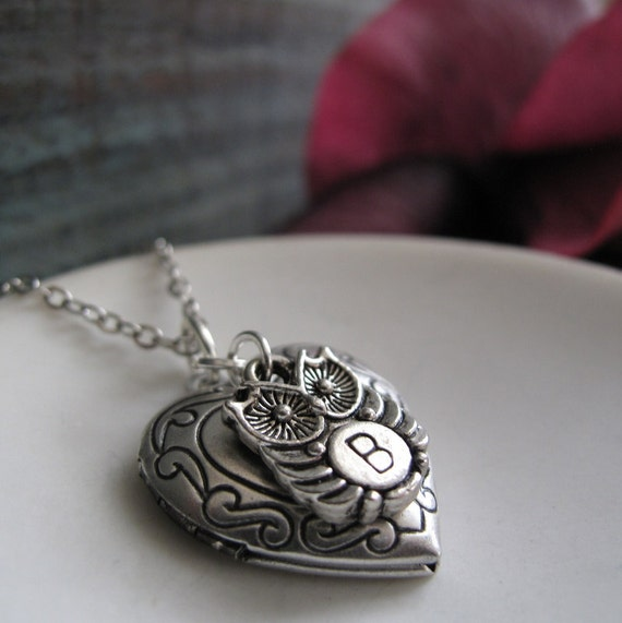 Owl Necklace Locket, Personalized Initial Charm Necklace Locket, Silver Antique Heart Locket - WITTY OWL