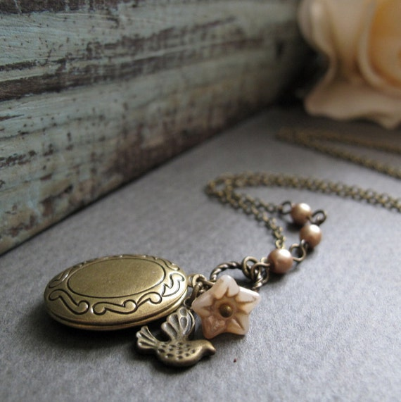 Bird Necklace Locket, Antique Gold Vintage Inspired, Necklace Locket Sparrow with Pearls - SUGAR