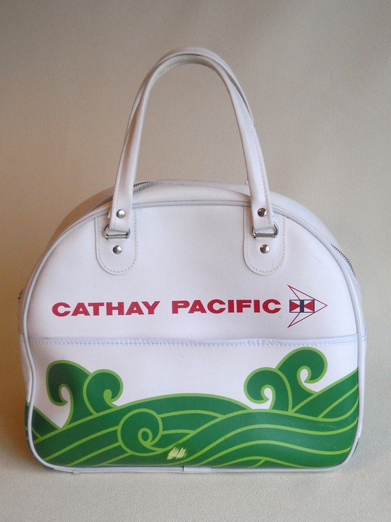 vintage- Wonderful Cathay Pacific carry-on bag