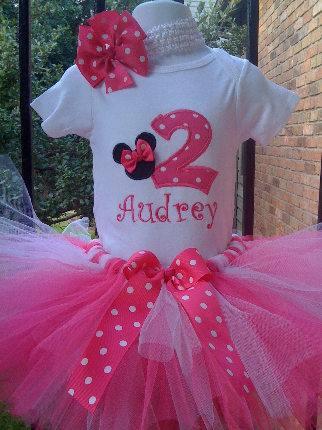 custom boutique monogrammed minnie mouse by robellaboutique. Black Bedroom Furniture Sets. Home Design Ideas
