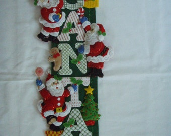 Bucilla Felt Competed SANTA WALL HANGING Christmas Decoration