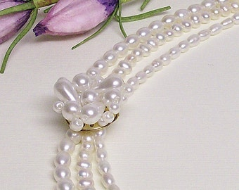 Necklace Pearl and VintageThree Strand